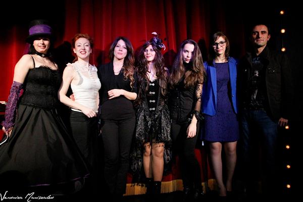 da sinistra Nella Zorà, Eleonora Frida Mino, Manuela Grippi, Lilyth (Laura Luchino), Gaia Elisa Rossi, Fantasy (Silvia Agnello) e Mariano Tomatis fotografia di Veronica Maniscalco.